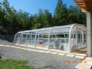 Grande piscine couverte